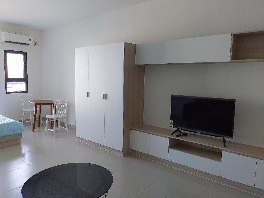 STUDIO TOPAZ TWINS 8 MILLION/MONTH VO THI SAU STREET